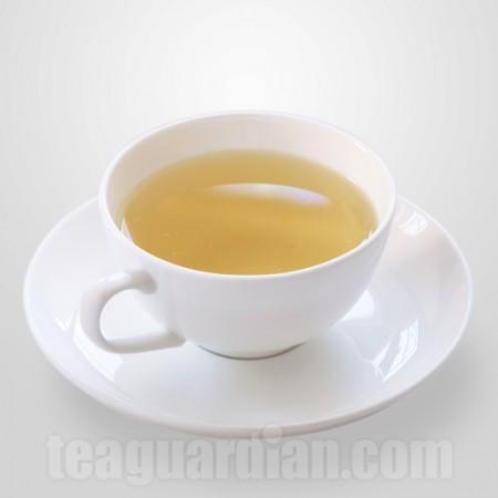 the standard ( average ) teacup: green tea