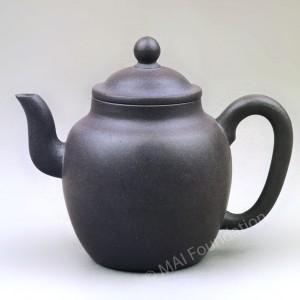 Tall Yixing Teapot, Shi Dabin